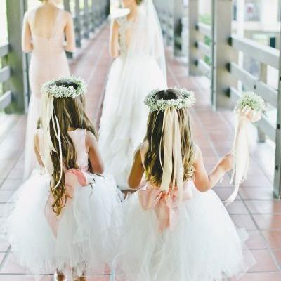 Adorable Flower Girls Outfit Ideas For Your Wedding