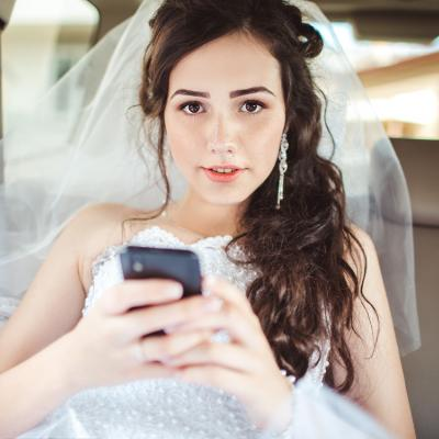 3 Wedding Apps We Love For The Tech Savvy Bride