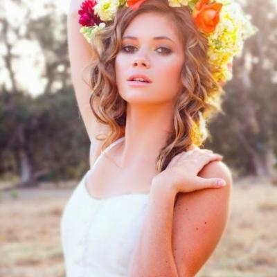Beautiful and Bold Floral Crowns For Your Wedding Day
