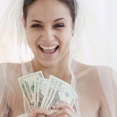 3 حيل للتقليل من ميزانية حفل الزفاف
