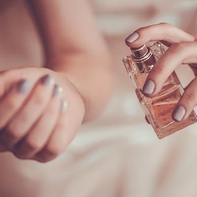 Perfect Spots to Apply Your Perfume On Your Wedding Day