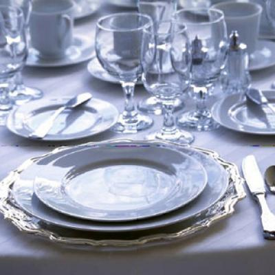Formal Dining Etiquette For Your Wedding Shared By The Experts