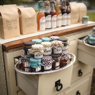 Beautiful Wedding Favor Displays