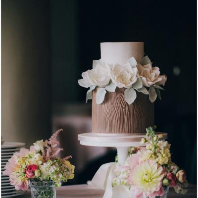 9 Pretty Fall Wedding Cakes