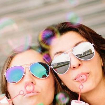 نصائح بسيطة للحصول على علاقة قوية مع أشقاء شريكك
