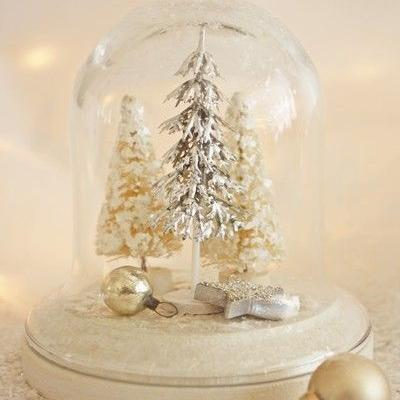 How To Include Snow Globes In Your Winter Wedding