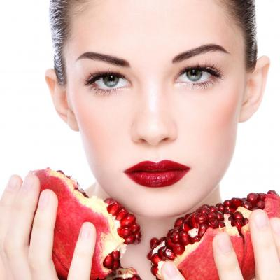 The Top Benefits Of Pomegranate For Your Skin