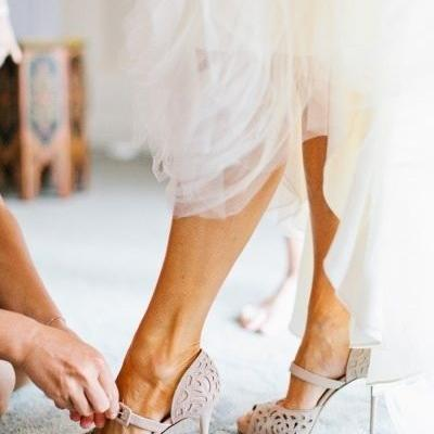 Bridal Shoes Trend 2016: Suede Shoes For The Winter Bride