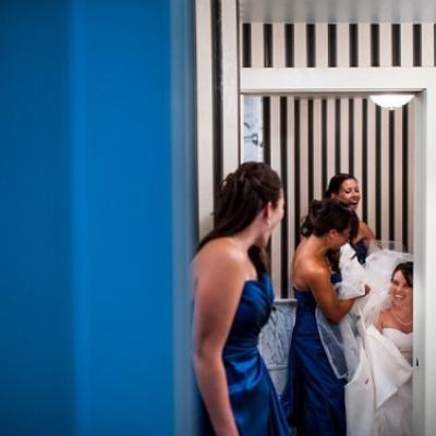 Tips to Help You Go to The Bathroom in Your Wedding Dress