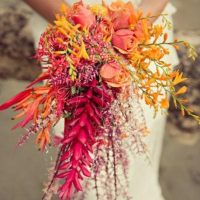 10 Tropical Wedding Bouquet Ideas