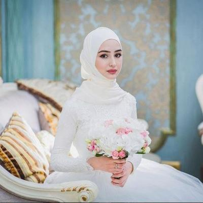 Bridal Inspiration: Beautiful Brides Wearing Hijab