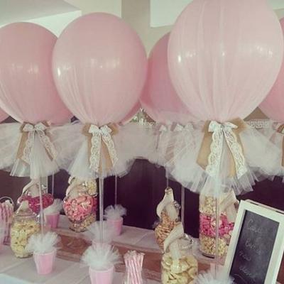 صيحة البالونات المغطاة بالتول لديكور حفلة عزوبية مرحة