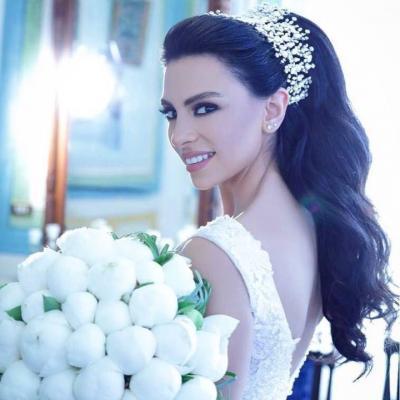 إطلالات النجماتفي حفلات زفافهن في صيف 2017
