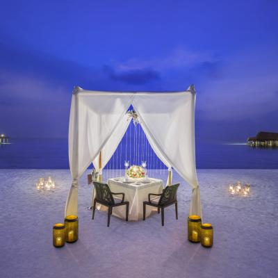 7 Ways to Enjoy a Romantic Retreat at The St. Regis Maldives Vommuli Resort