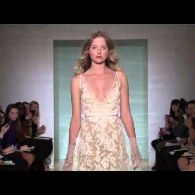 Embedded thumbnail for عرض أزياء ريم عكرا لفساتين الزفاف لربيع 2015