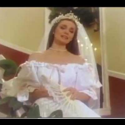 Embedded thumbnail for Crystal Gayle - A Long Lasting Love