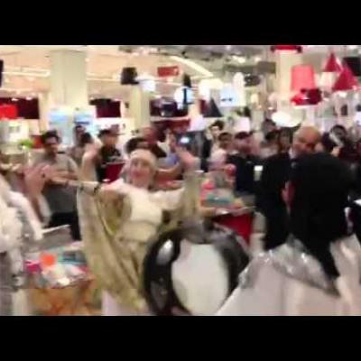 Embedded thumbnail for A surprising Arabic Zaffeh wedding in Dubai Mall