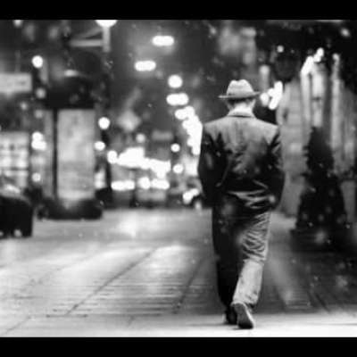 Embedded thumbnail for Frank Sinatra - Strangers in The Night