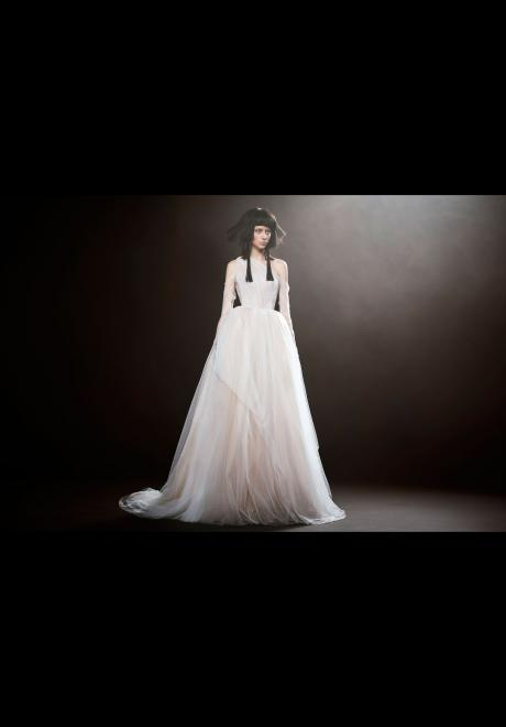 Vera Wang Spring 2018 Wedding Dress 4