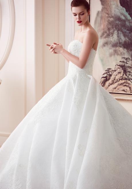 The 2018 Wedding Dresses by Ebru Sanci 10