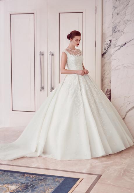 The 2018 Wedding Dresses by Ebru Sanci 11