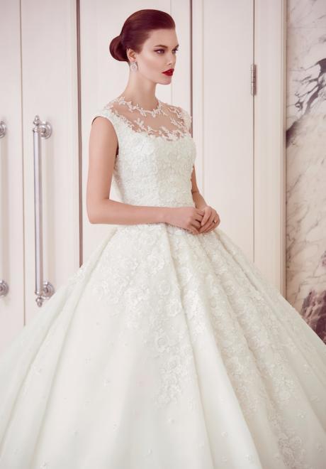 The 2018 Wedding Dresses by Ebru Sanci 12