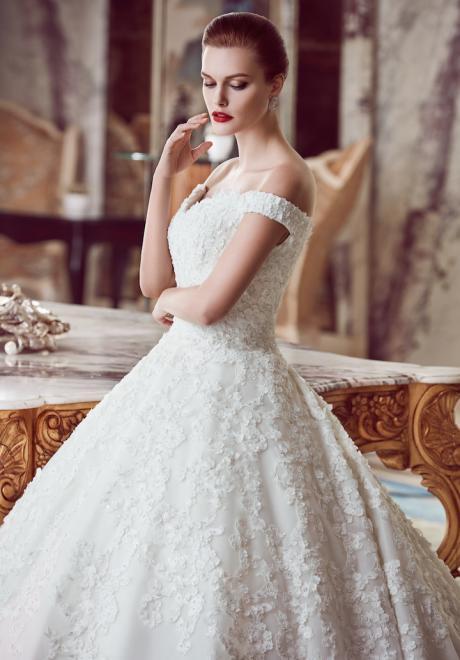 The 2018 Wedding Dresses by Ebru Sanci 15