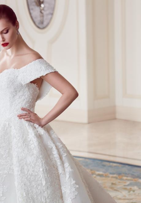 The 2018 Wedding Dresses by Ebru Sanci 16