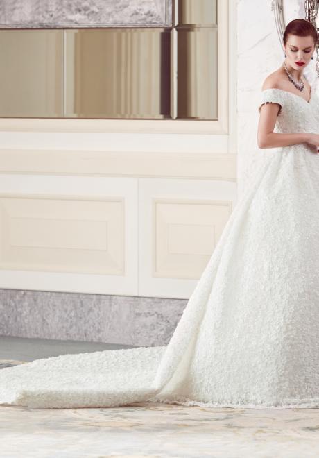 The 2018 Wedding Dresses by Ebru Sanci 19
