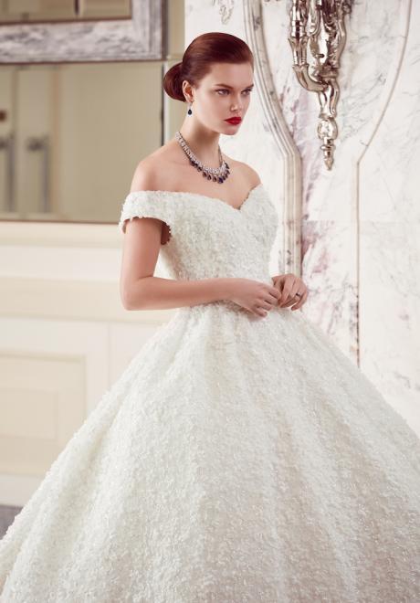 The 2018 Wedding Dresses by Ebru Sanci 20