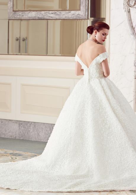 The 2018 Wedding Dresses by Ebru Sanci  21