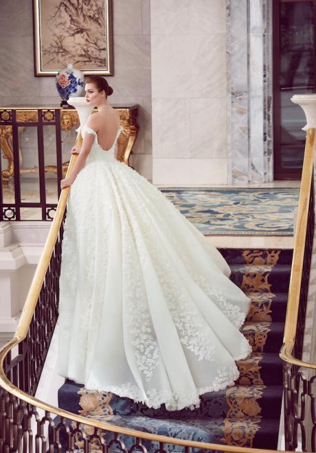 The 2018 Wedding Dresses by Ebru Sanci 3