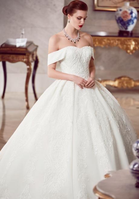 The 2018 Wedding Dresses by Ebru Sanci 4