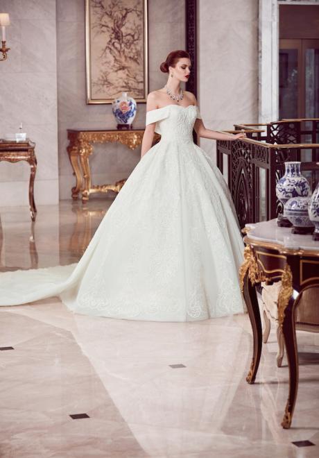 The 2018 Wedding Dresses by Ebru Sanci 5