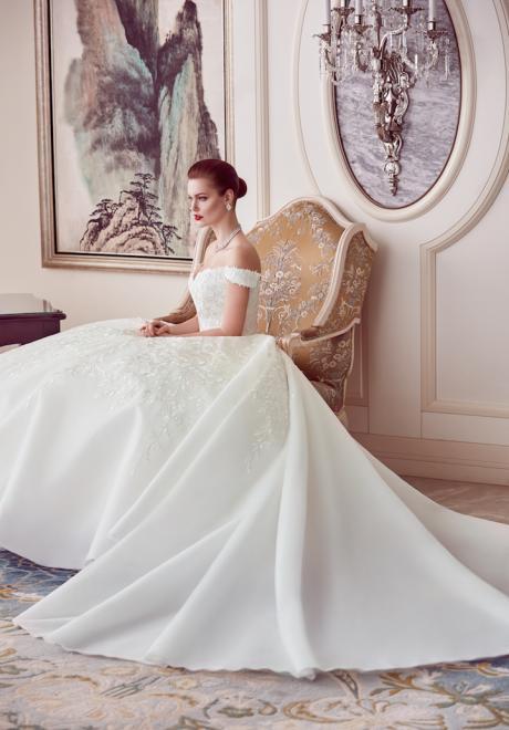 The 2018 Wedding Dresses by Ebru Sanci 6