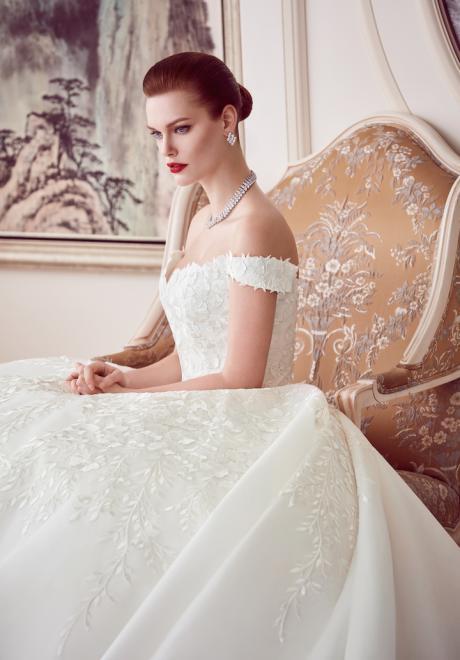 The 2018 Wedding Dresses by Ebru Sanci 7