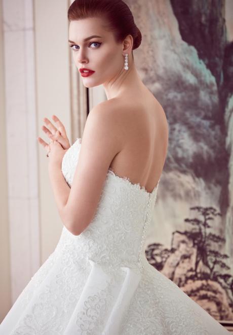 The 2018 Wedding Dresses by Ebru Sanci 8