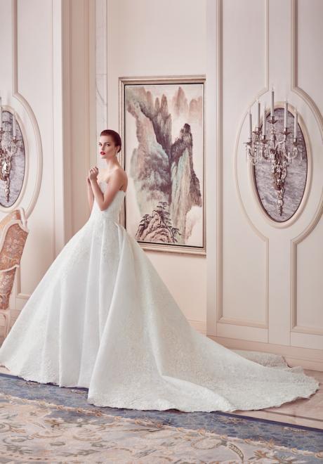 The 2018 Wedding Dresses by Ebru Sanci 9