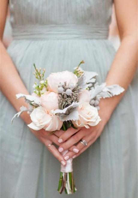 10 Small Bridal Bouquets For The Minimal Bride