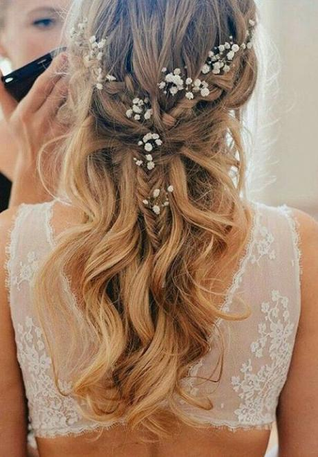 15 Simple Bridal Hairstyles For The Bride of 2018