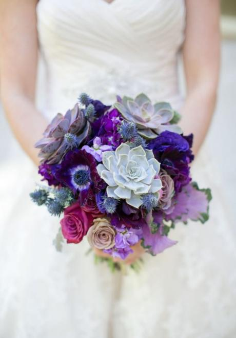 Beautiful Ways to Include The 2018 Color Of The Year in Your Wedding