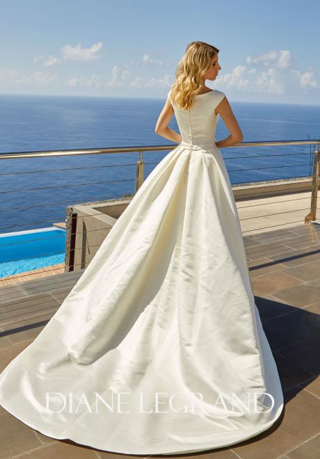 The Beautiful 2019 Wedding Dresses by Diane Legrand