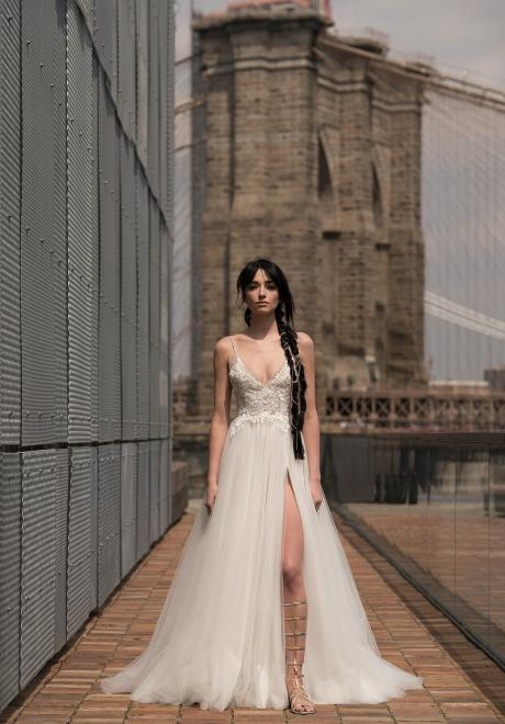 The Alyne 2019 Wedding Dresses by Rita Vinieris