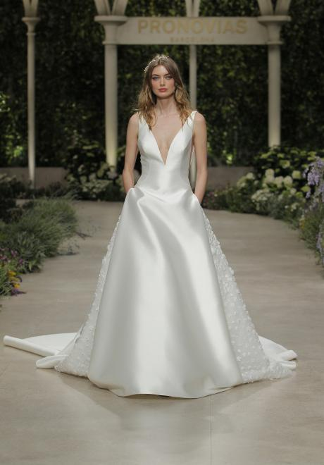 The 2019 Atelier Pronovias Wedding Dress Collection