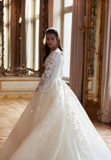 2019 Long Sleeve Wedding Dress 3