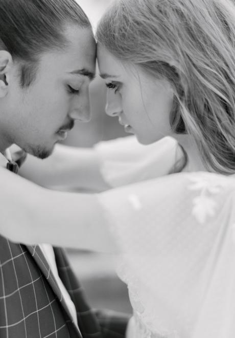 Romance Isnt Dead A Romantic Wedding Theme Photoshoot Arabia