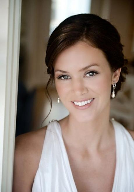 Beautiful Soft and Natural Makeup Looks For Every Bride
