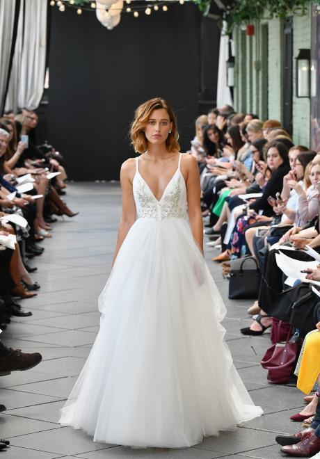 2019 Spring Amsale Wedding Dress 1