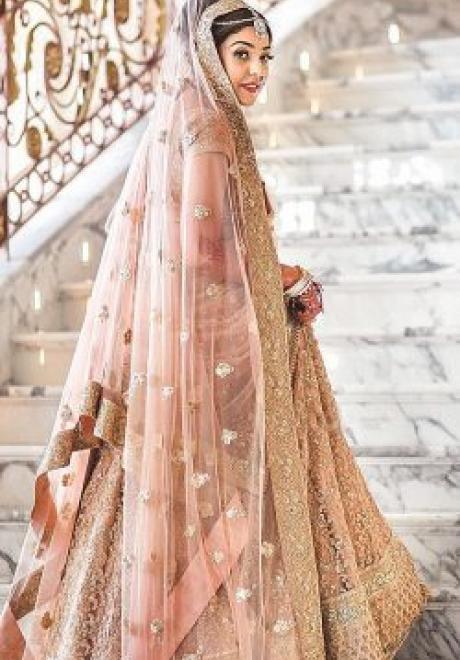 أجمل الفساتين الهندية للاعراس