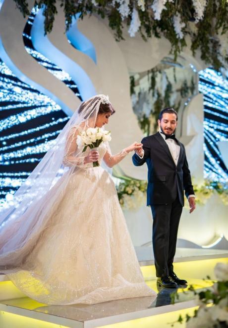 حفل زفاف مزين بالزهور في عمّان